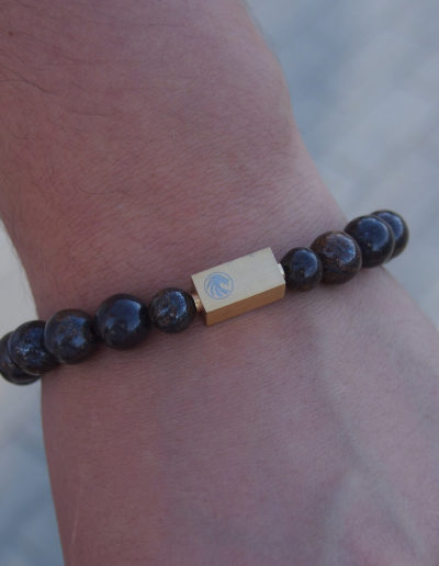 BRAVE-bronzit-férfi-ásvány-karkötő-arany-színű-acél-medál (3)