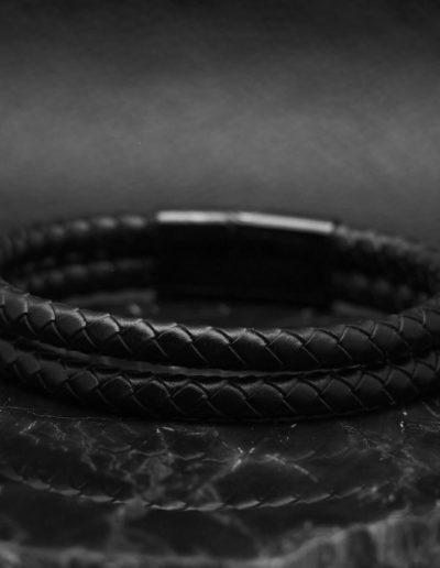 BRAVE-fekete-duplasoros-fonott-bőr-férfi-karkötő (7)