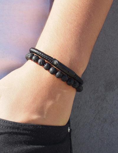 BRAVE-fekete-fonott-bőr-férfi-karkötő (5)