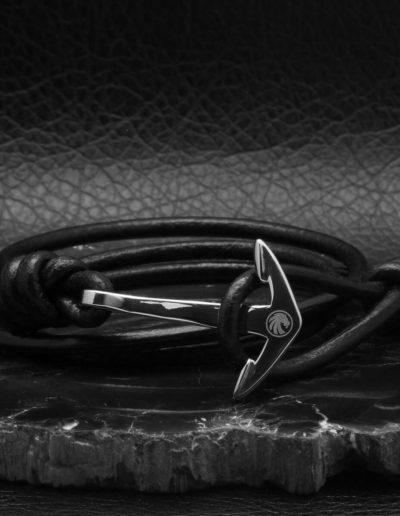 BRAVE-acél-horgony-karkötő-fekete-bőr-1