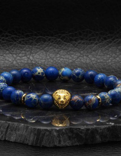 BRAVE-LION-kék-regalit-ásvány-karkötő-arany-acél-oroszlán-medál (2)